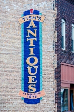Lowell, Indiana Tish's Antiques